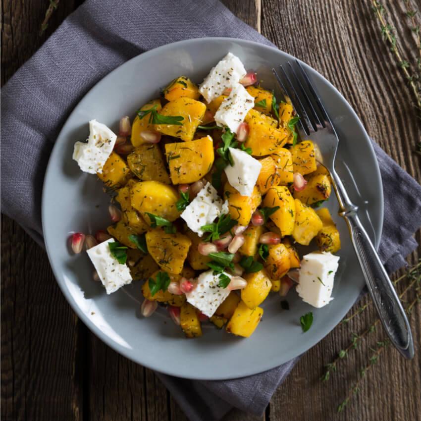 Süßkartoffel mit Feta und Granatapfel