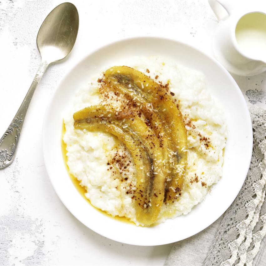 Protein Milchreis mit karamelisierter Banane