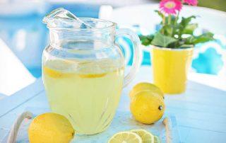 Zitronenwasser zum Abnehmen