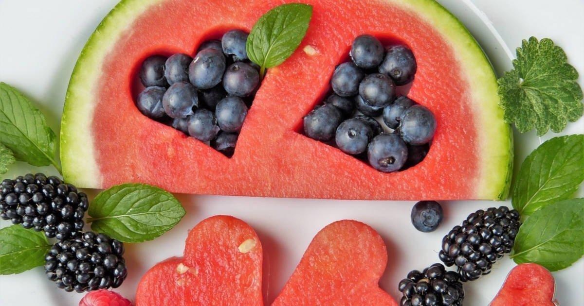 Entwässernde Lebensmittel - Top 10 Nahrungsmittel